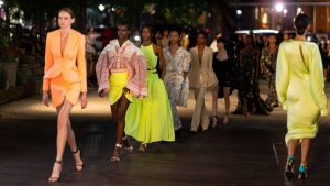 How to Choose a New Fashion Dress With Silk Material This Summer